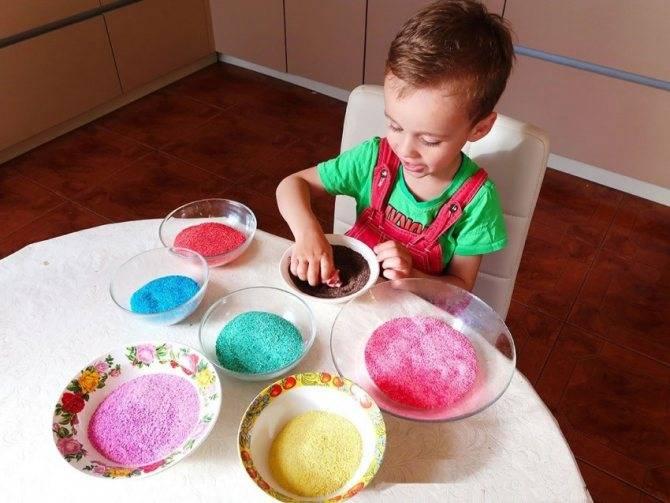 Как покрасить песочницу? 18 фото чем красиво раскрасить песочницы из дерева? краски для детской песочницы и их покраска своими руками