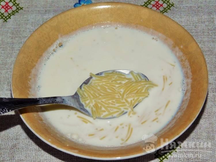 Очень вкусно и полезно: сытный молочный суп с вермишелью