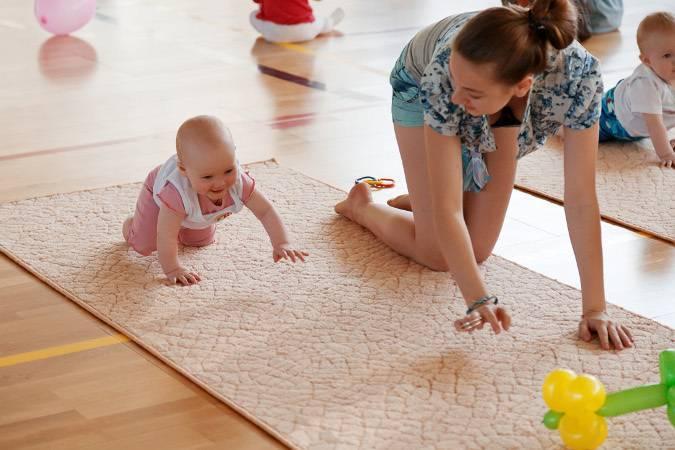 Досуг малыша – развивающие игры для детей 8 месяцев