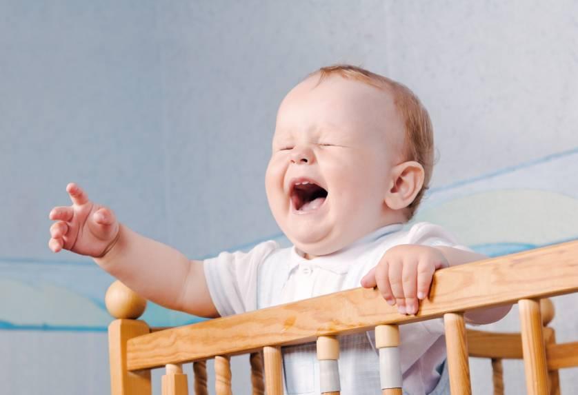 Почему ребенок в 3 месяца стал капризным и постоянно плачет