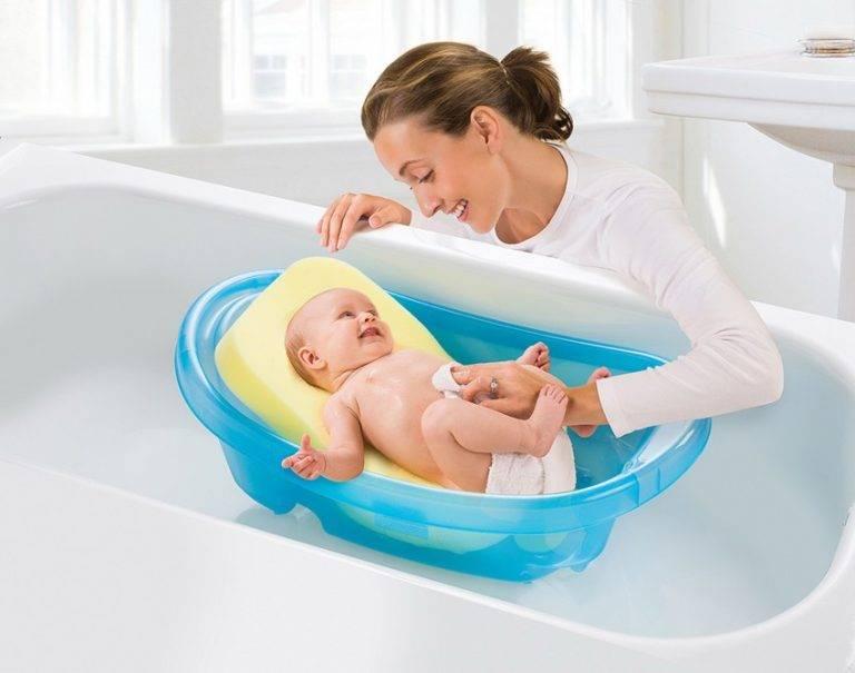 Как купать новорожденного одной: подробная инструкция, как мыть ребенка в ванночке и что делать, если грудничок капризничает?