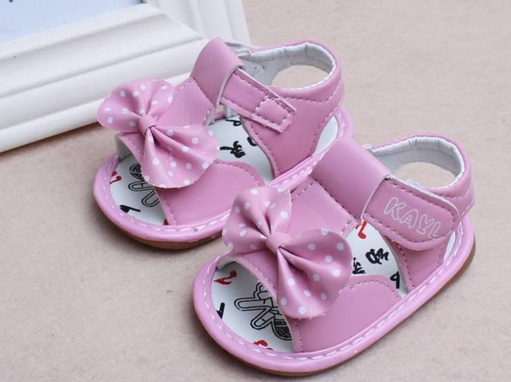 Первая обувь для малыша: как выбрать и когда покупать? какая должна быть первая обувь для малыша?