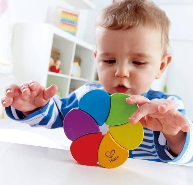 Как развивать ребёнка в 4 месяца: игры, упражнения, игрушки