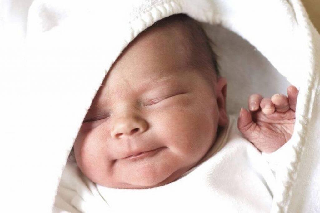 Ребенок дергается когда засыпает: причины и способы устранения
