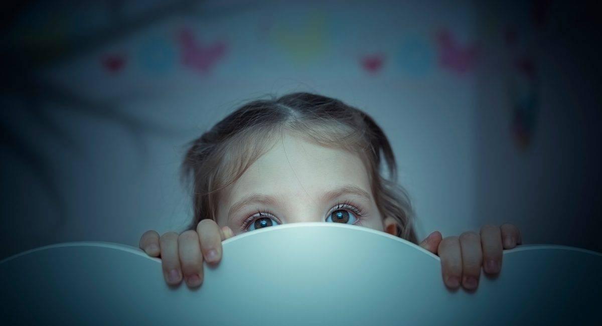 Буллинг в школе: что это, причины, признаки, как помочь ребенку
