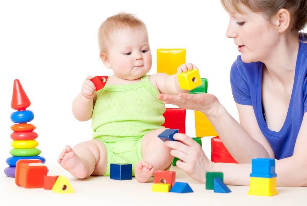 Первые игрушки малыша