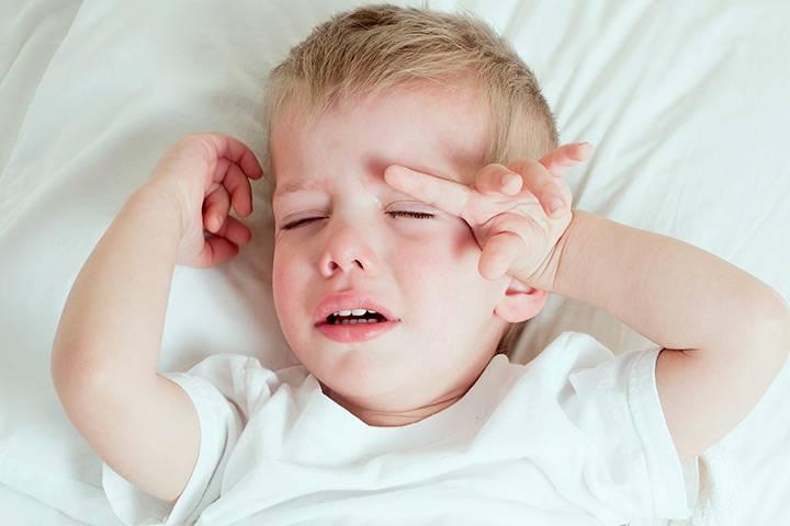 Болит голова  у ребенка. причины. лечение