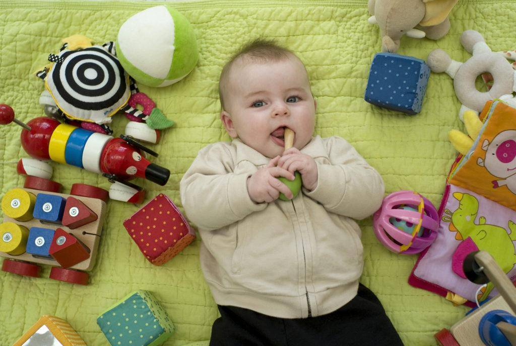 Развивающие игрушки для детей до года