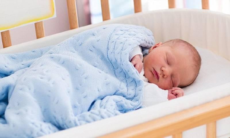 Как приучить ребенка засыпать самостоятельно: практические советы и полезные рекомендации специалистов