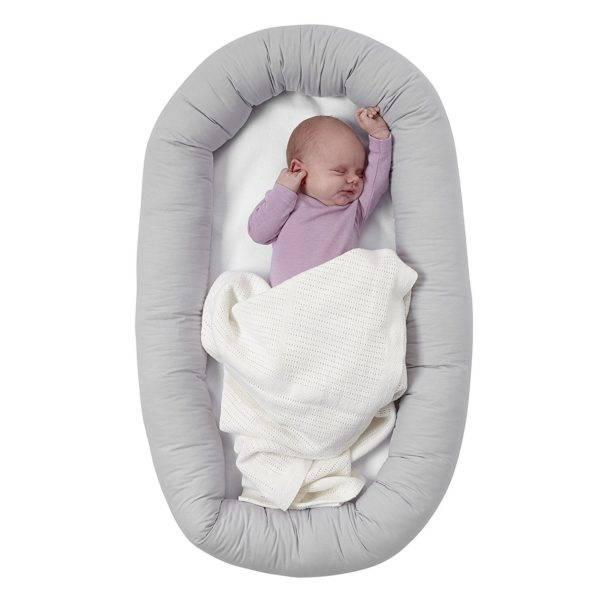 Кокон, гнездышко для новорожденных: нужны ли и зачем