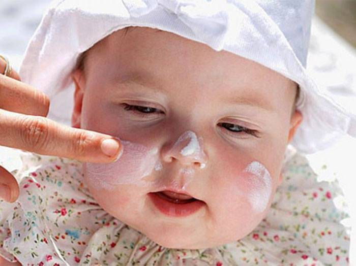 Причины шелушения кожи на лице у женщин: обзор 3 средств против сухости
