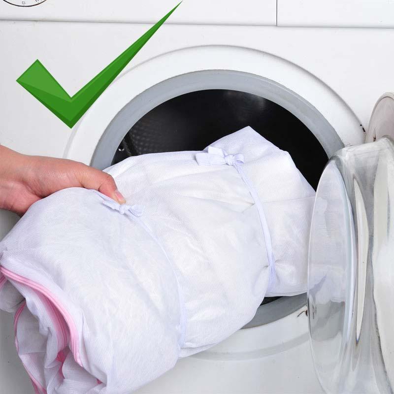 Стираем одежду новорожденных правильно