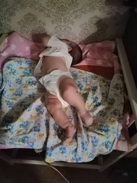 Что делать, если малыш выгибает спину и запрокидывает голову? - перинатальный центр в пензе - отзывы - главная страница
