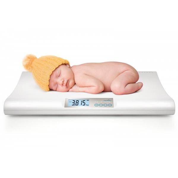 Как правильно взвешивать новорожденного малыша?