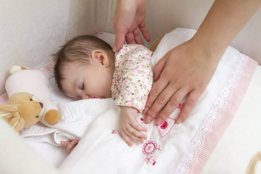 Как научить ребенка засыпать самостоятельно