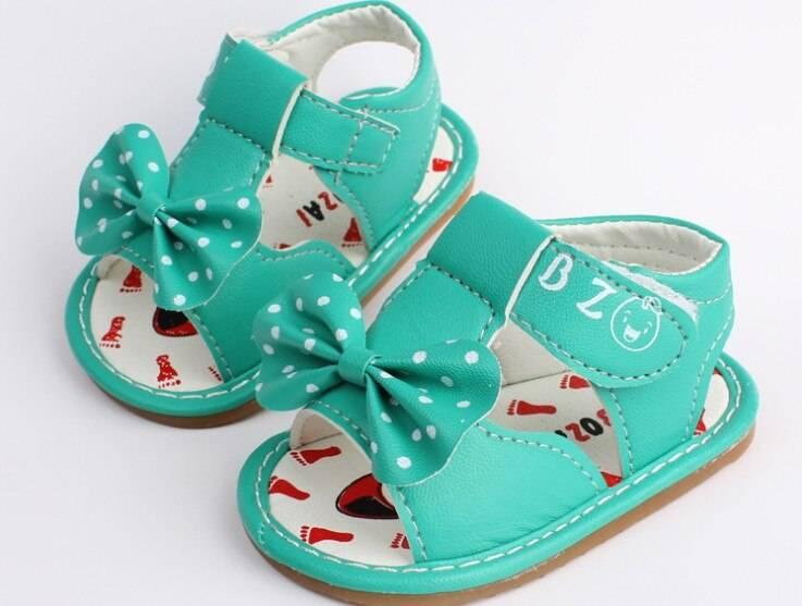 Параметры выбора первой обуви для детей. первая обувь для малыша: как правильно выбрать «башмачки» на первые шаги?