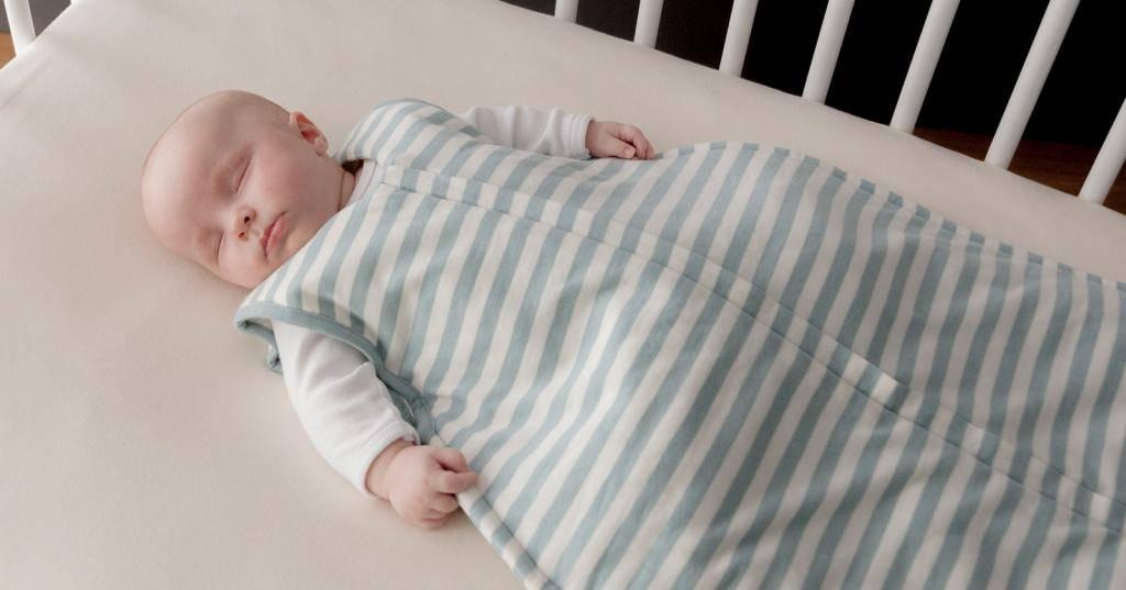 Беспокойный сон, ребенок все время ночью пытается перевернутся на живот. - здоровье малыша и все что с ним связано - страна мам