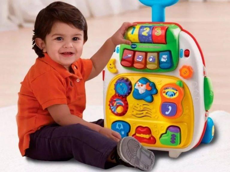Что можно подарить мальчику на 1 год?