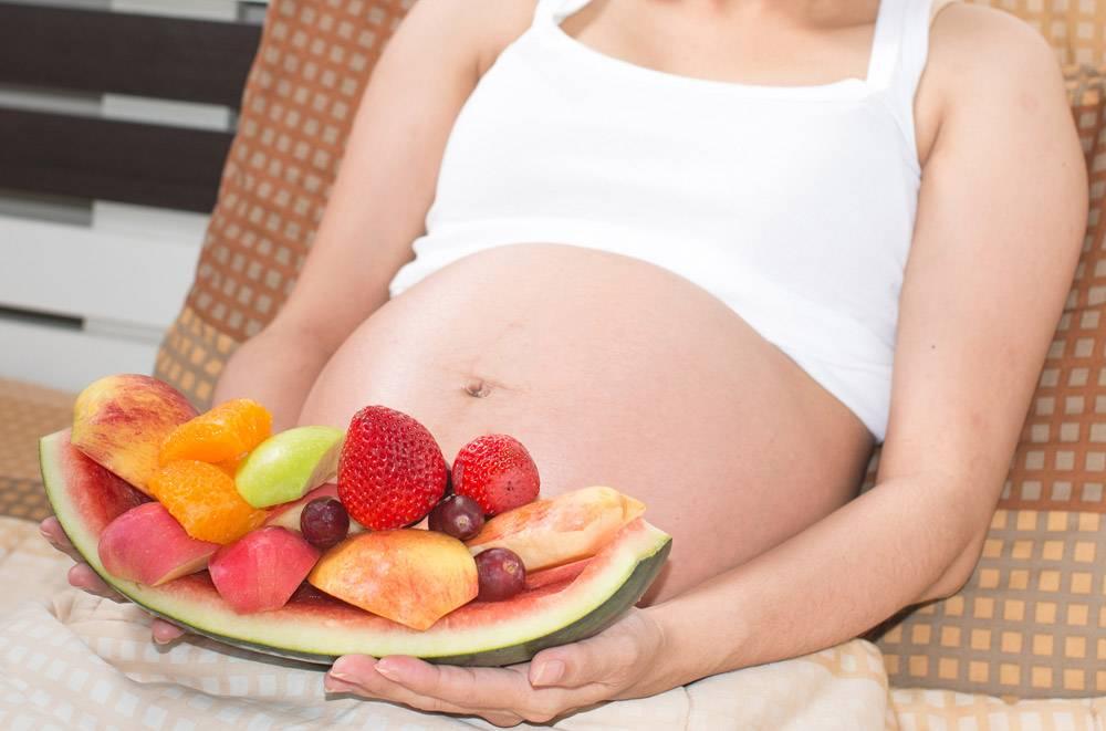 Вегетарианство при беременности: где взять белки и железо?