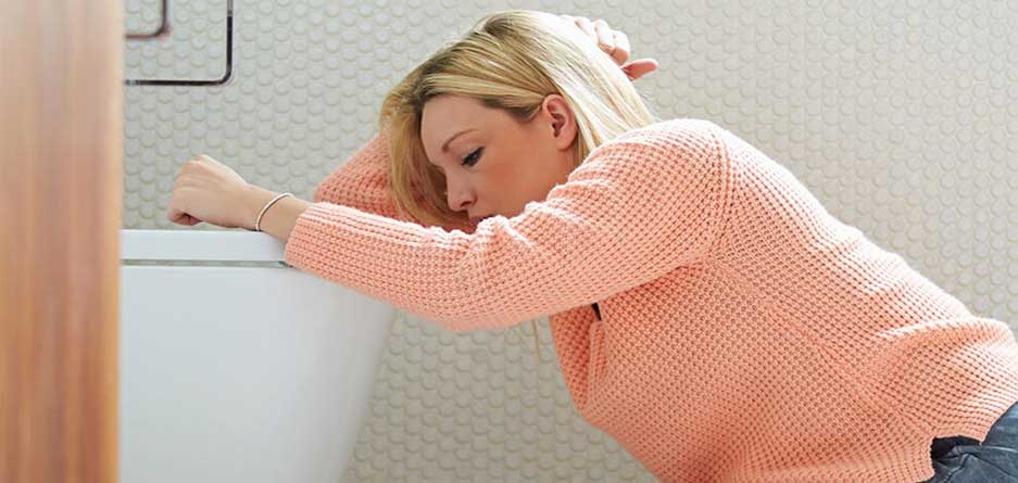 Тошнота и рвота у взрослого: причины, лечение, что делать – напоправку – напоправку