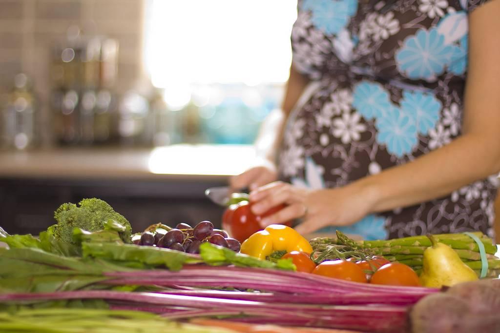 Вегетарианство и беременность. полезна ли растительная диета для будущей матери? как родить здорового малыша, соблюдая вегетарианскую диету?   аборт в спб