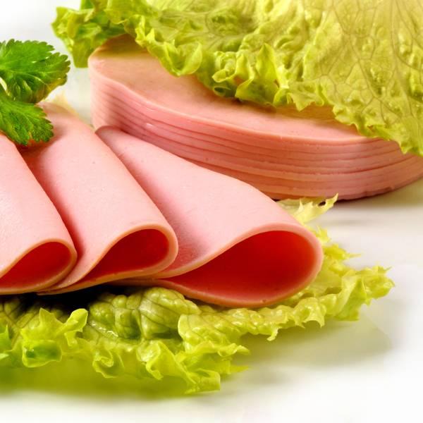 Можно ли кушать колбасу при грудном вскармливании
