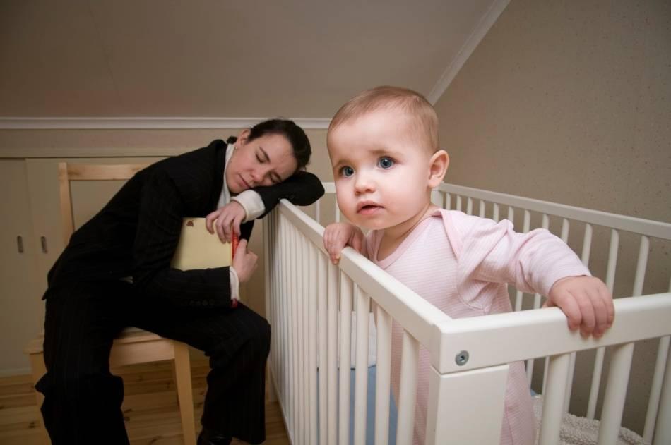 Ребёнок перепутал день с ночью, что делать?