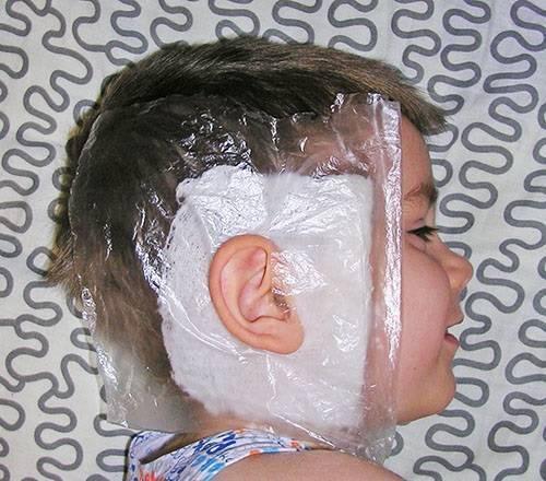 Лечение отита у ребенка, доврачебная помощь, компрессы
