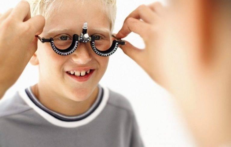 Очки при астигматизме: как часто их следует носить?