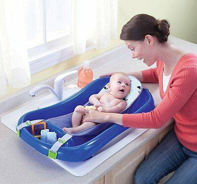 Подставка под ванночку для новорожденного: зачем она нужна для детского купания и какие критерии выбора приспособления для младенцев существуют?
