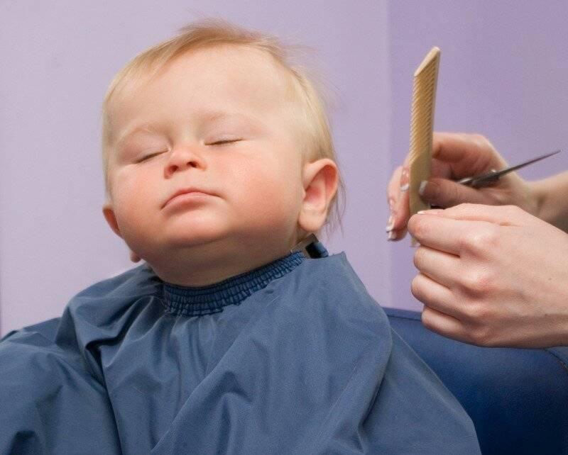 Можно ли стричь волосы самим ребенку до года: когда впервые стричь ребёнка?