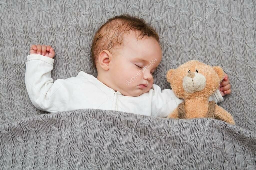 Почему малыш плачет во сне 4 месяца