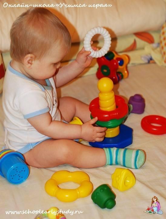 Какие игрушки необходимы ребёнку в один месяц