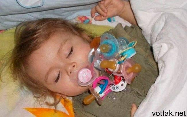 Влияние соски и бутылочки на зубы ребенка