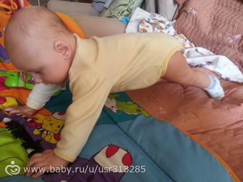 Ребенок во сне переворачивается на живот и просыпается – советы комаровского
