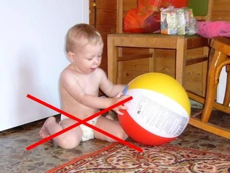 Во сколько месяцев можно садить, присаживать мальчиков, садить в ходунки?