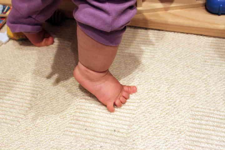 Ребенок постоянно ходит на носочках, как отучить? - доктор позвонков