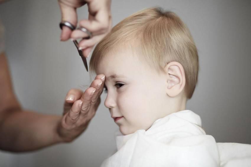 Стричь ли годовалого ребенка налысо