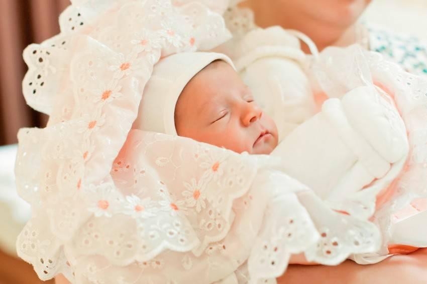 Как одевать новорожденного в роддоме? что берете с собой из одежки? - летние малыши  2015 года. - страна мам