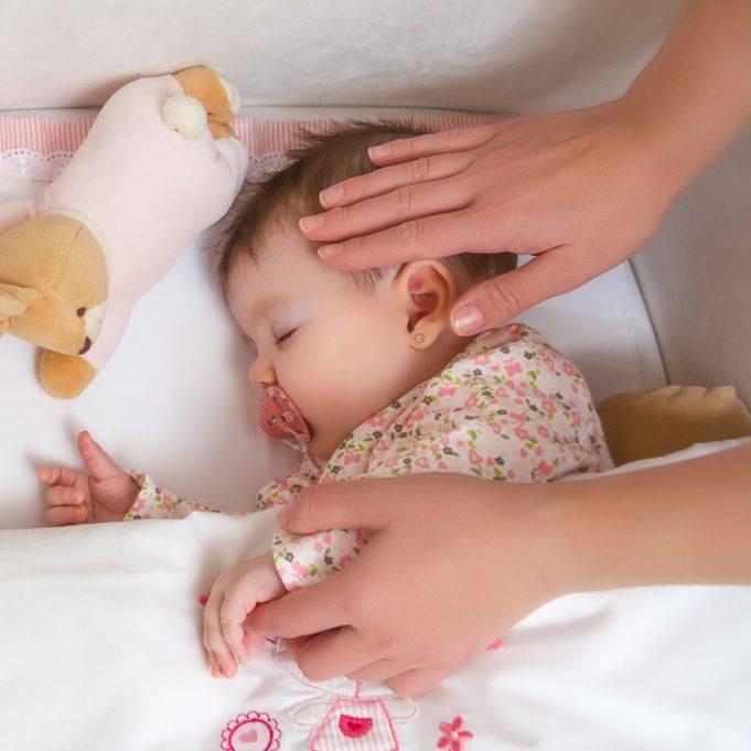 Развитие ребенка на 11 месяце жизни: что должен уметь