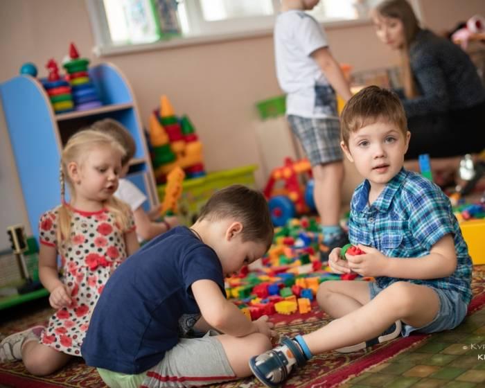 Стоит ли отдавать ребенка в 2 года в детский сад? плюсы и минусы