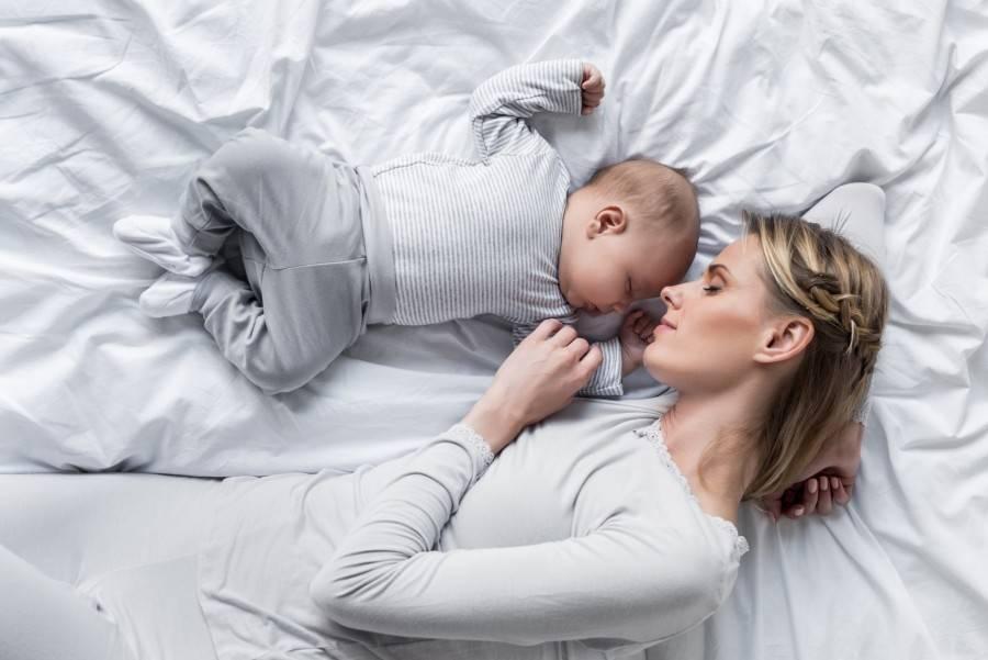 Как отучить ребенка засыпать с грудью: полезные советы