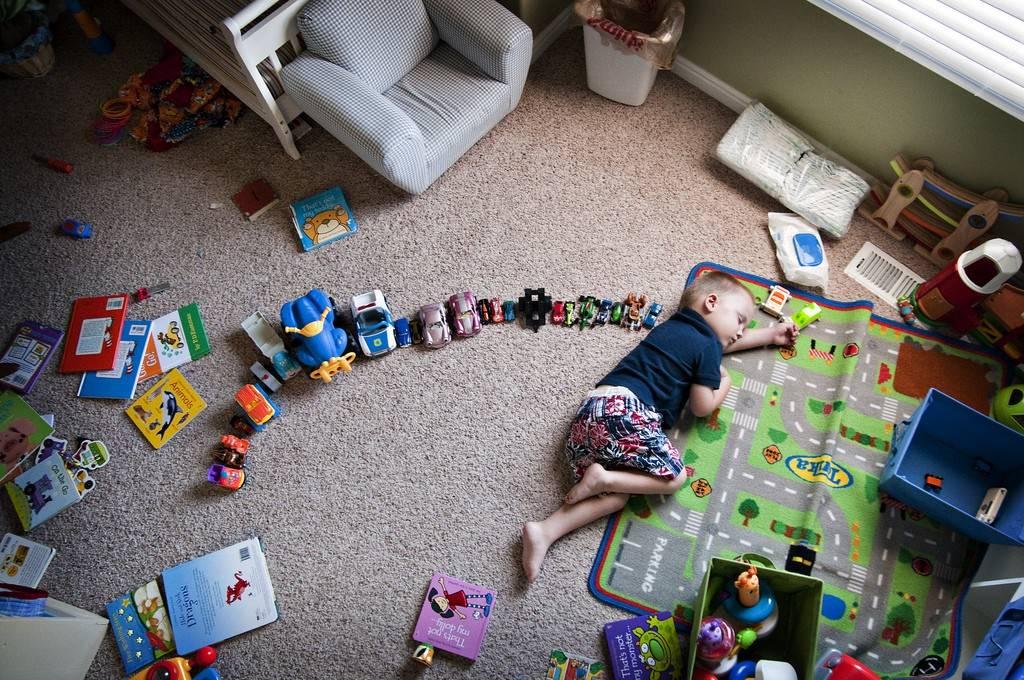 Особенности становления ребенка в 7 месяцев: нормы развития, режим питания и сна