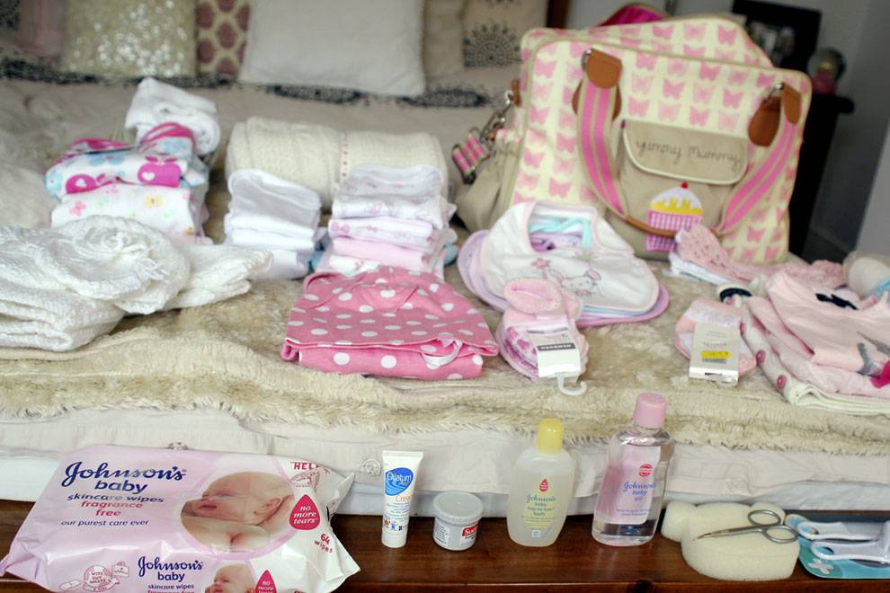 Список вещей для новорожденного в роддом и на первое время