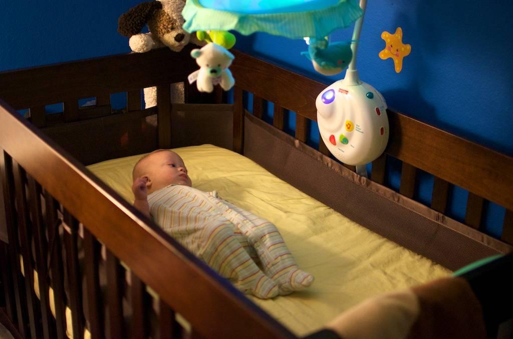 Как научить ребенка самостоятельно засыпать в 1 год?