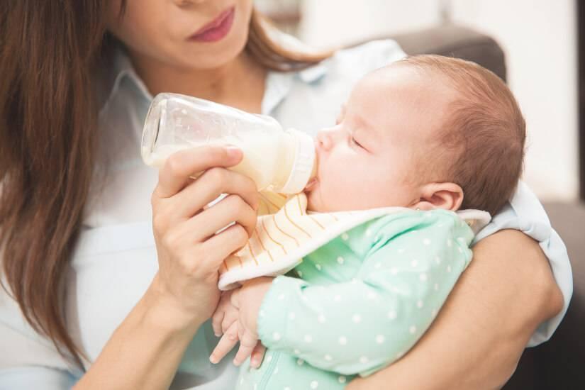 Икота у новорожденных после кормления: что делать и как предотвратить