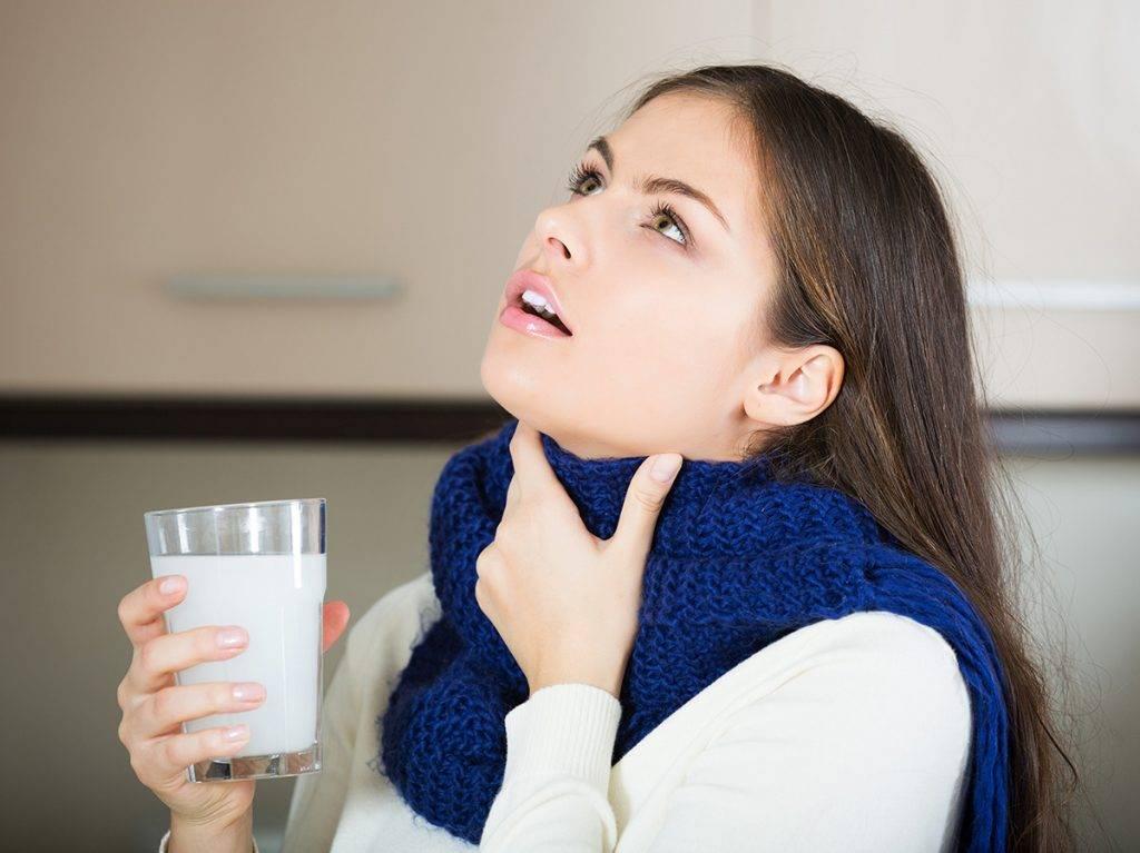 Удаление тонзиллитных пробок, как убрать гнойные пробки из горла при хроническом тонзиллите