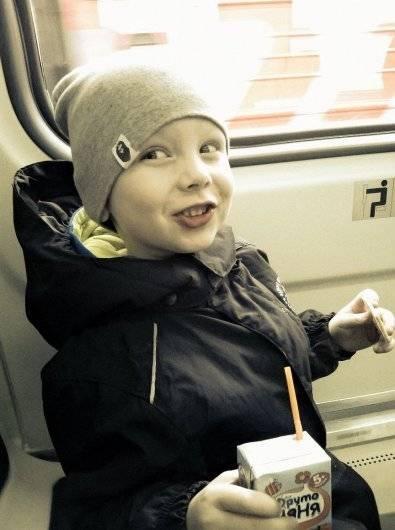 Ребенок разбил градусник: что делать, если малыш порезался стеклом и проглотил ртуть?