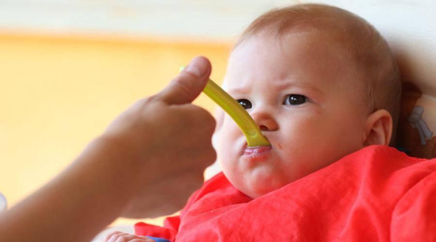 Как научить ребенка пользоваться ложкой