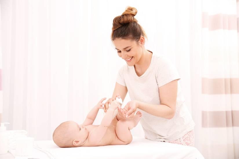 Уход за новорожденным мальчиком - особенности и правила